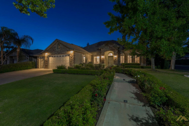 Spectacular Custom Home on Hyde Park Dr. 2