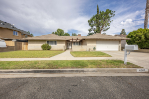 Beautiful spacious home in Simi Valley 1