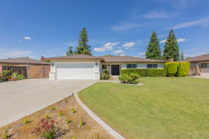 Beautifully Updated Home in 55+ Community!! 1